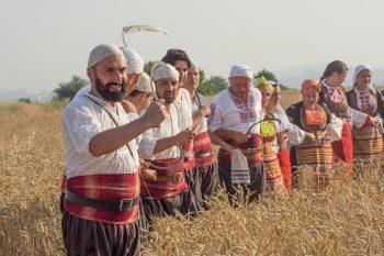 традиции, критика на традициите